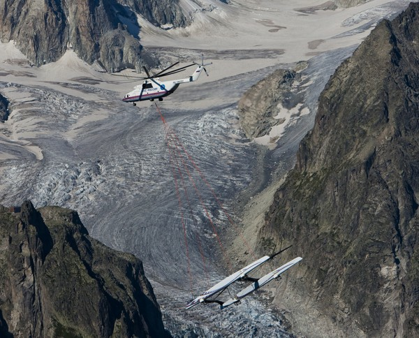 Alinghi V over the rocks - Alternative zum Schleppen? Photo © Carlo Borlenghi/Alinghi