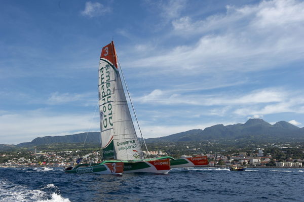 A victorious finish for Groupama 3 and Franck Cammas in Pointe à Pitre - 2010/11/09 - © Yvan Zedda