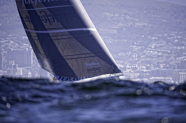 Telefoncia skippered by Iker Martinez - Photo Credit: PAUL TODD/Volvo Ocean Race