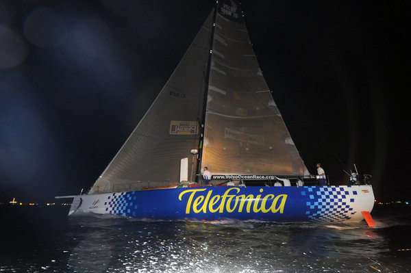 Telefonica Blue, skippered by Bouwe Bekking (NED) takes first place on leg 3 of the Volvo Ocean Race from India to Singapore, crossing the finish line at 14:51:22 GMT-  Photocredit: Dave Kneale/Volvo Ocean Race