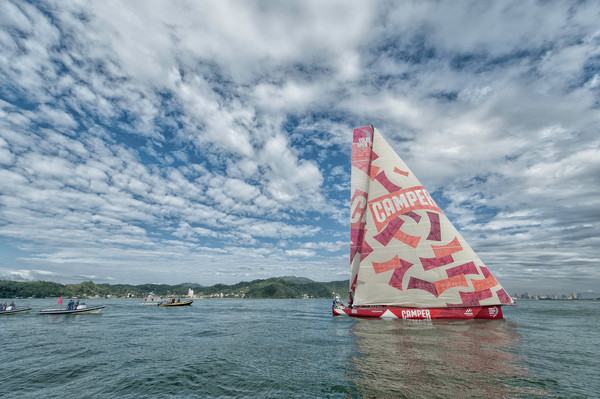 CAMPER with Emirates Team New Zealand, skippered by Chris Nicholson from Australia, finish leg 5 of the Volvo Ocean Race 2011-12, from Auckland, New Zealand, to Itajai, Brazil. (Credit: PAUL TODD/Volvo Ocean Race)