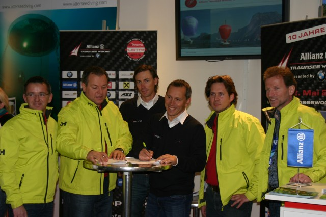 Team Hagara bei der Unterzeichnung Vertrag Great Cup 32 und Traunsee Woche - Photo © Anarchist Sposmoker