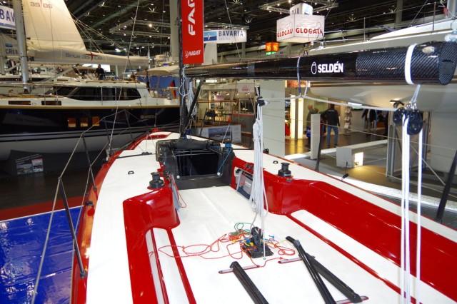 FAREAST 31R - Cockpit - boot 2014 - Photo © SailingAnarchy.de