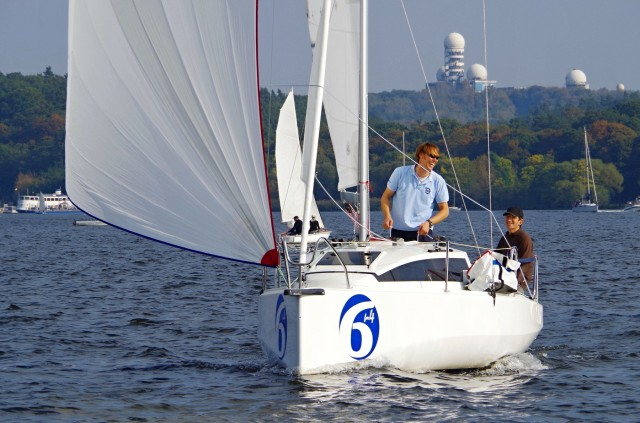 SiX-for-Four - Segeltest SailingAnarchy.de - Oktober 2014 - Gennaker - Photo © SailingAnarchy.de