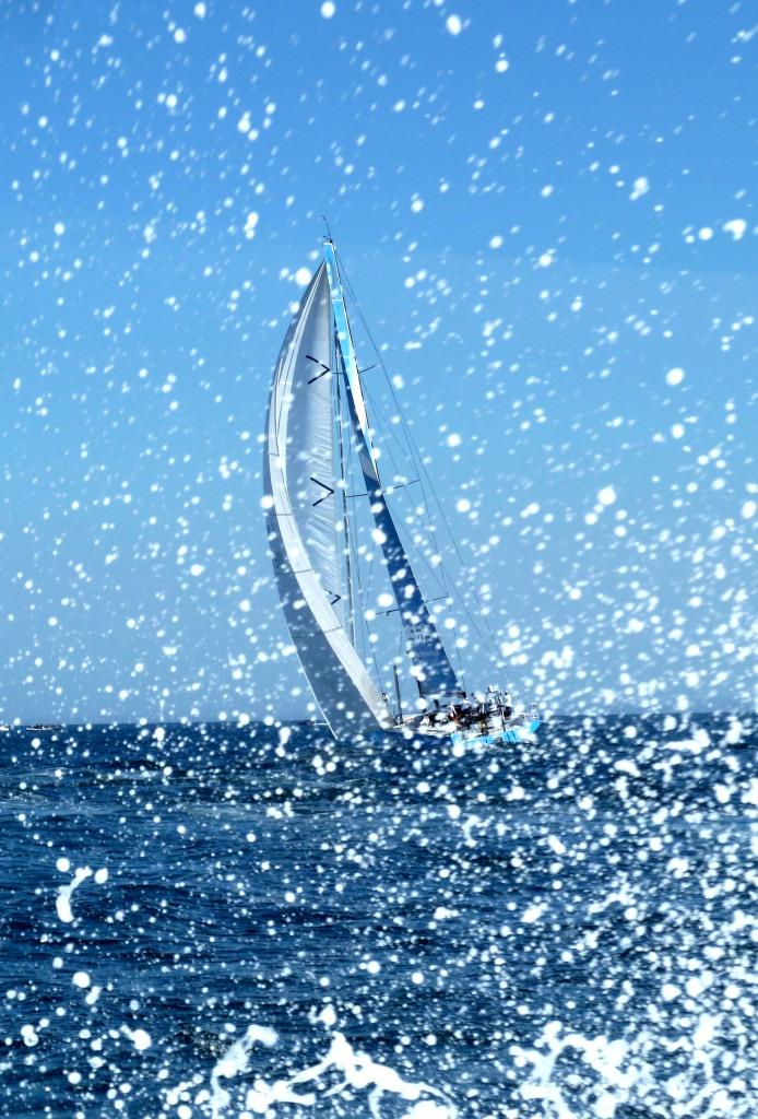 Nach ihrer Strandung seit Lissabon wieder dabei: Vestas Wind ist Letzte in der Gesamtwertung und Vorletzte der Etappe