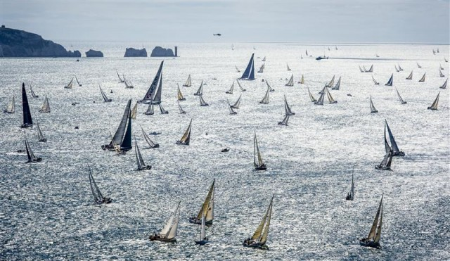 Rolex Fastnet Race 2013 - Regattafeld am Ausgang des Solent in der Nähe der Needles - Photo By: Rolex / Kurt Arrigo