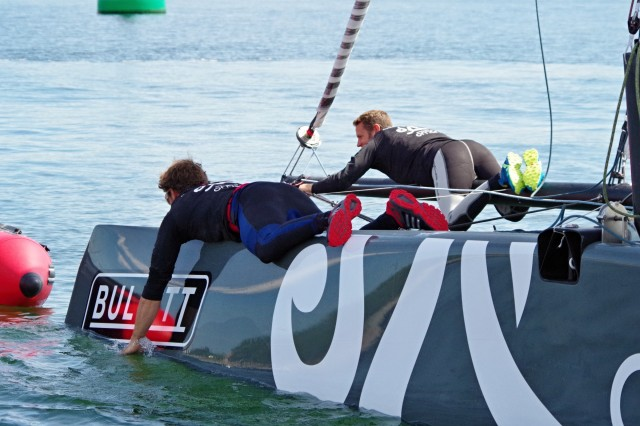 GC32 Kiel - Oman Sailing - unerlaubter Vortrieb - Photo Copyright SailingAnarchy.de