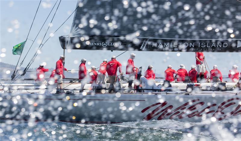 Zwei Mal Gesamtsiegerin, acht Mal als Erste im Ziel: Das Sydney-Hobart ist, wenn hundert Boote regattasegeln und WOXI gewinnt.