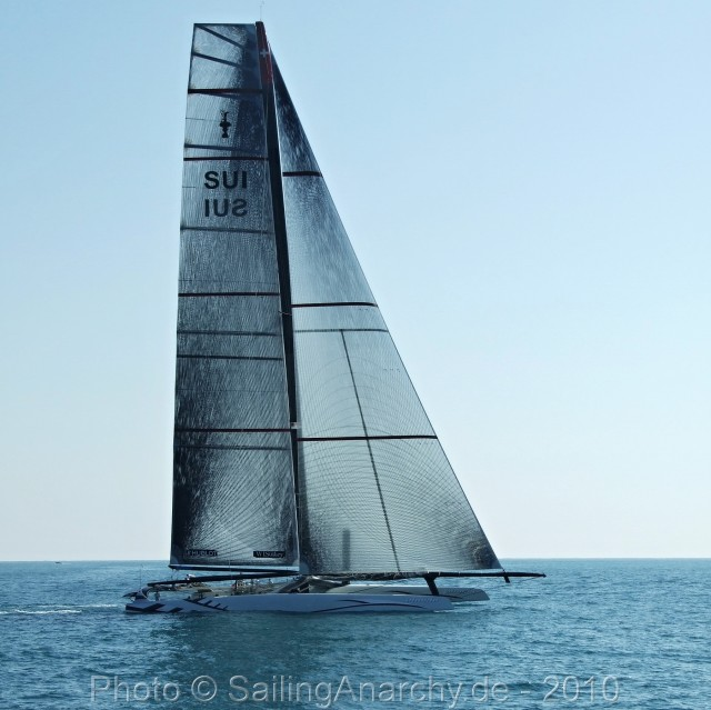 Alinghi V - AC 33 - Valencia - 2010 - Photo © SailingAnarchy.de