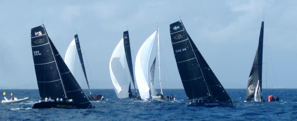 Tonnenrundung am zweiten Fleet Race-Tag