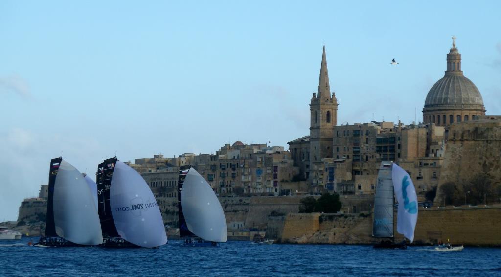 Was ist am schönsten, die Boote, die Stadt oder der Vogel?