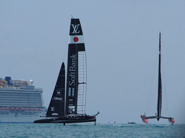 OTUSA vs. Softbank - 35th Americas Cup auf Bermuda, Mai 2017, Round Robin 1 - Louis Vuitton Cup - Photo © Anarchist Alex