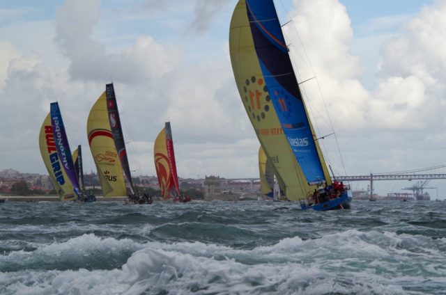 Race Lissabon - Flotte Downind Richtung Belem - Photo © SailingAnarchy.de 2017