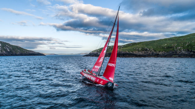 MAPFRE hangelt sich unter der Küste von Irland durch - Leg 10, from Cardiff to Gothenburg, day 02 on board MAPFRE. 11 June, 2018 - Photo © Ugo Fonolla/Volvo Ocean Race