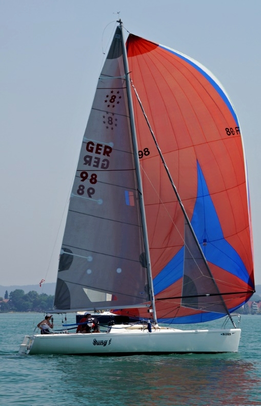 8mOD - Unter Spinnaker - Photo © Eigner