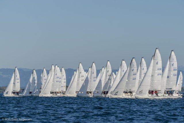 52 Mannschaften aus vier Nationen sind bei der Int. Deutschen Meisterschaft (IDM) der J70-Klasse beim Württembergischen Yacht-Club (WYC) am Start. Foto: Sven Jürgensen/WYC